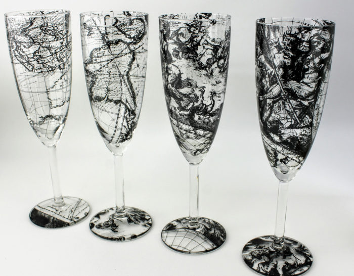 4 Champagne flute glasses features scenes from a 17th century world map