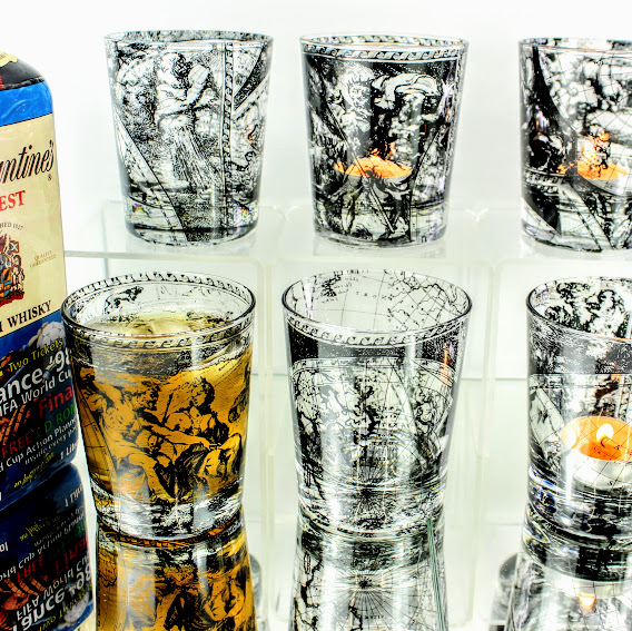 6 whiske tumblers 16th century world map with nightlights