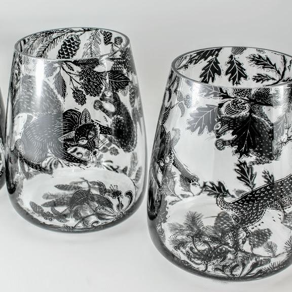 2 glass vases british wild animal woodland scene
