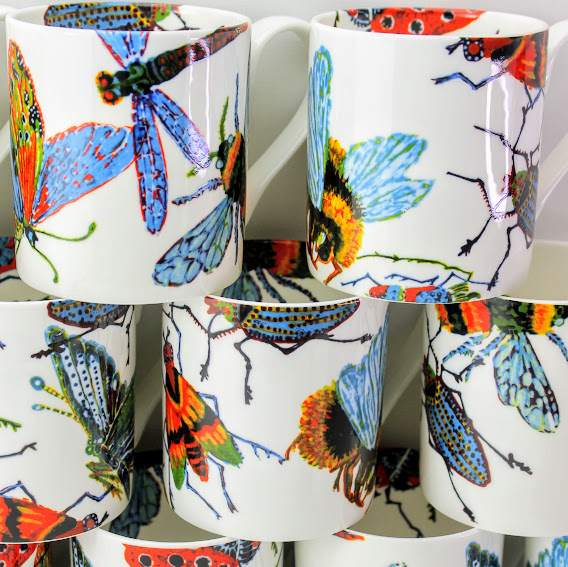 Mug with big bugs, butterfly's and bees