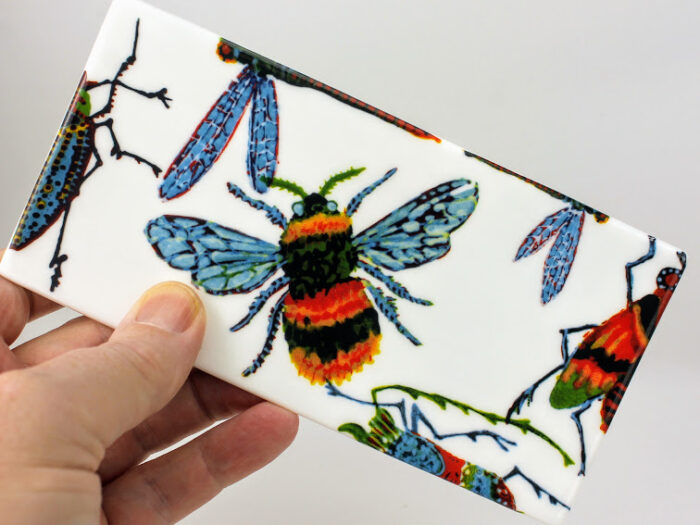 honey bee sandwich tray with large bugs